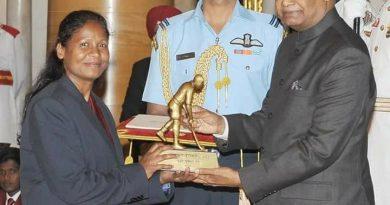 झारखंड की सुमराई टेटे बनी ध्यानचंद पुरस्कार पाने वाली पहली महिला हॉकी खिलाडी