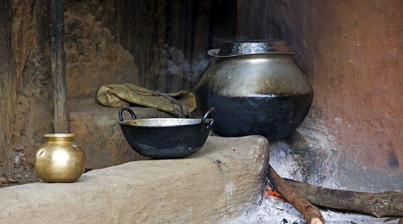 पेट की आग से धुँआ निकलता नहीं