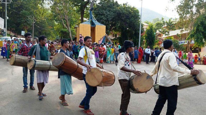 बस्तर के युवाओं की भागीदारी से सशक्त होता आदिवासी संघर्ष